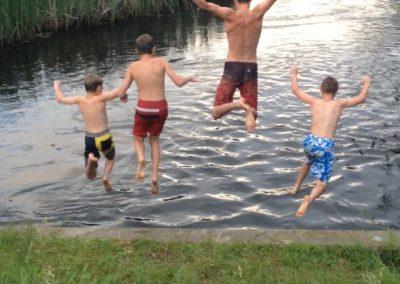 jumping-lake-pine-park
