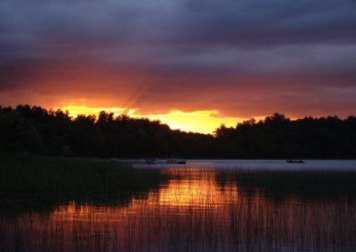 sunset-lake-pine-park
